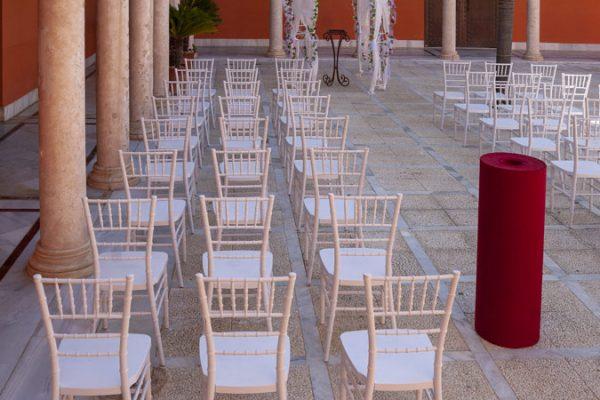 Moqueta burdeos para eventos y congresos